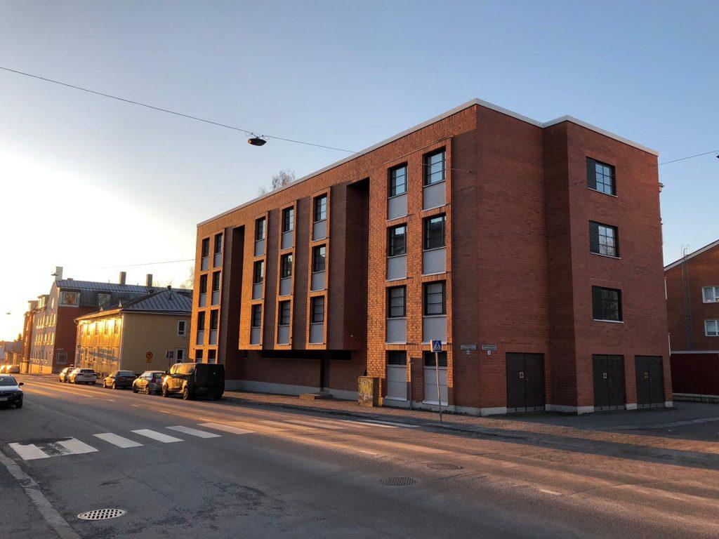 Asunto-osakeyhtö Rosengården saa hissit